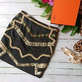 ムルーア(MURUA)の新品!WbyMURUA☆ゴールド刺繍デザイン☆インパクト×ミニスカート(ミニスカート)