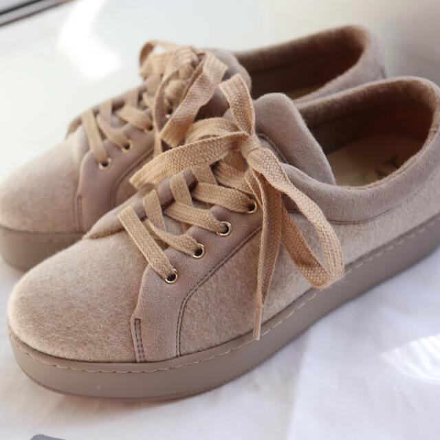 Max Mara(マックスマーラ)のマックスマーラ ベージュ スニーカー  レディースの靴/シューズ(スニーカー)の商品写真