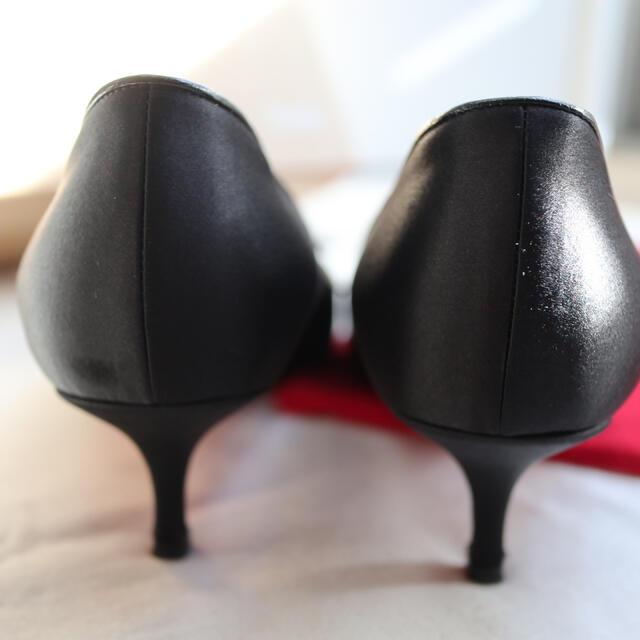 Christian Louboutin(クリスチャンルブタン)のサテン レース パンプス レディースの靴/シューズ(ハイヒール/パンプス)の商品写真