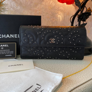 CHANEL - ❤️正規品、新品未使用シャネル、カメリアシタッズ❣️レアデザイン❣️長財布