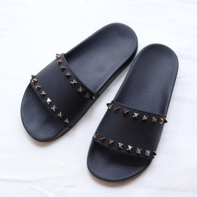 VALENTINO(ヴァレンティノ)のロックスタッズ  サンダル レディースの靴/シューズ(サンダル)の商品写真