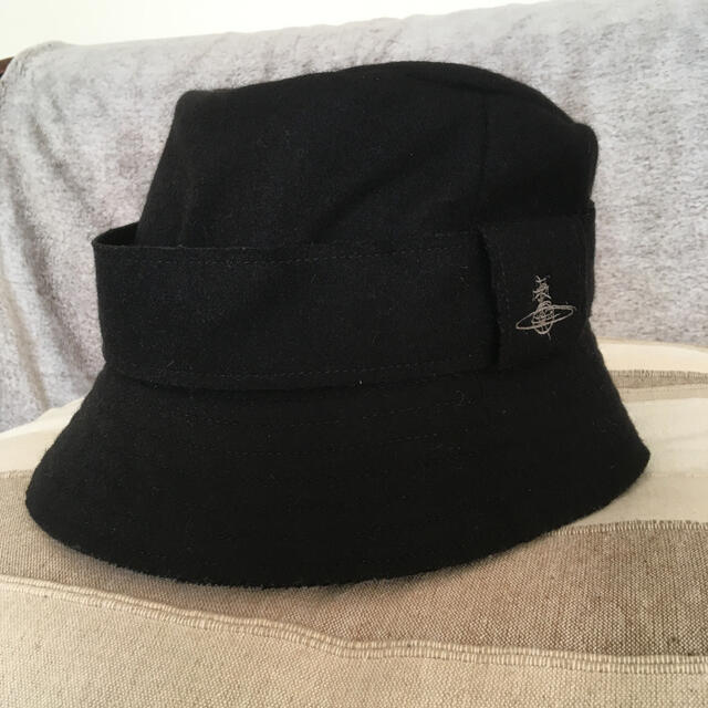 Vivienne Westwood(ヴィヴィアンウエストウッド)のお値下げ ヴィヴィアンウエストウッド帽子 レディースの帽子(ハット)の商品写真