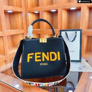FENDI - 【綺麗】FENDI ショルダーバッグ