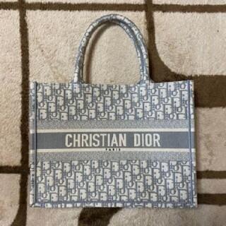 Christian Dior - 期間限定値下げ中 クリスチャンディオール ブックトートバッグ可愛らしいバッグで