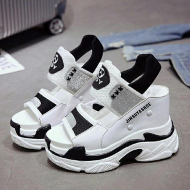 厚底スニーカーサンダル スニーカー スポサン 美脚 レディース 白×黒カラー レディースの靴/シューズ(サンダル)の商品写真