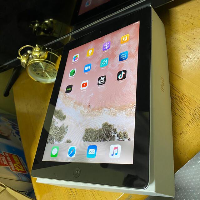 iPad(アイパッド)の完動品 iPad2 16GB  WIFIモデル アイパッド第2世代 スマホ/家電/カメラのPC/タブレット(タブレット)の商品写真