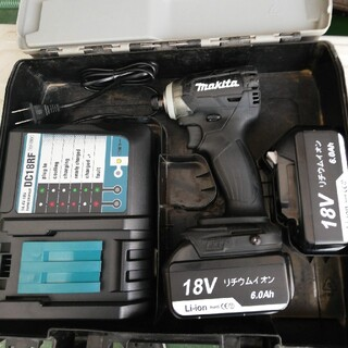 マキタ(Makita)のマキタインパクトドライバー18Vフルセット(工具/メンテナンス)