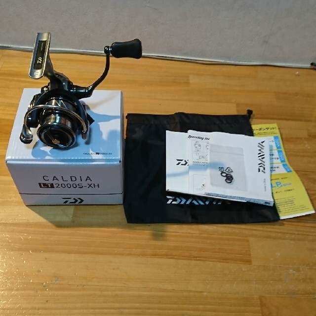 DAIWA(ダイワ)のDAIWA 18カルディアLT2000S-XH スポーツ/アウトドアのフィッシング(リール)の商品写真