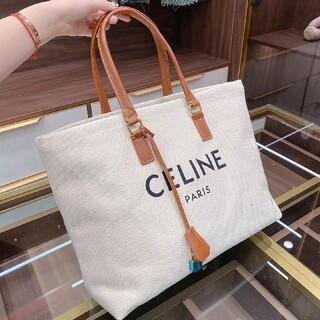 celine - 綺麗で、 ✯ Celine ✯ショルダーバッグ