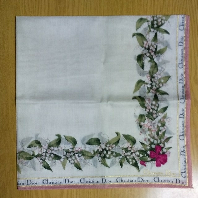 Christian Dior(クリスチャンディオール)の新品 Christian Dior① ハンカチ 2枚セット 花柄 薄手 レディースのファッション小物(ハンカチ)の商品写真