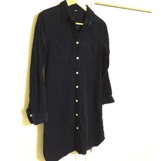 ムジルシリョウヒン(MUJI (無印良品))の美品  長めシャツ ワンピース  紺色(ひざ丈ワンピース)