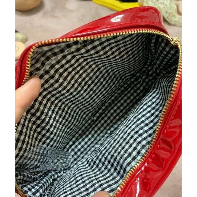 miumiu(ミュウミュウ)の最終値下げミュウミュウ大容量ポーチ化粧入れ レディースのファッション小物(ポーチ)の商品写真