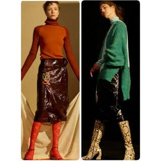 ルシェルブルー(LE CIEL BLEU)のIRENE Patent Leather Skirt アイレネ(ひざ丈スカート)