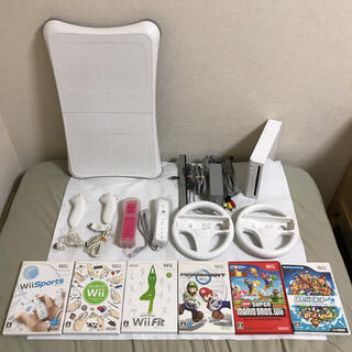 Wii - Wii本体 マリオカート Wiiフィット すぐに2人で遊べるセット