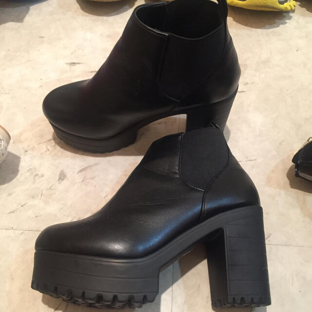 GRL(グレイル)のグレイル チャンキーブーツ レディースの靴/シューズ(ブーツ)の商品写真