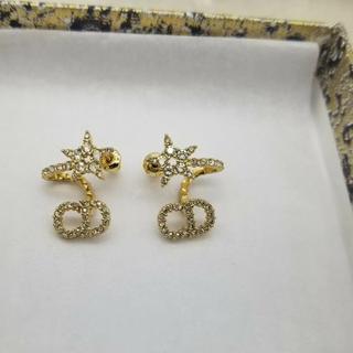 Dior - クリスチャンディオール  dior  ゴールド 星 ピアス