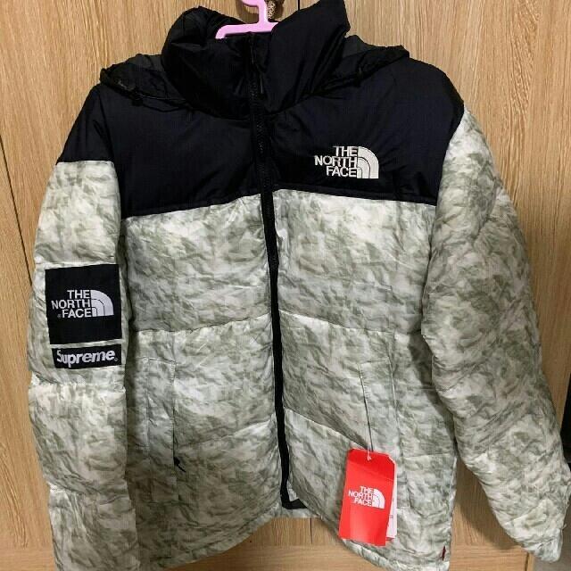 supreme north face 紙ヌプシ  メンズのジャケット/アウター(ダウンジャケット)の商品写真