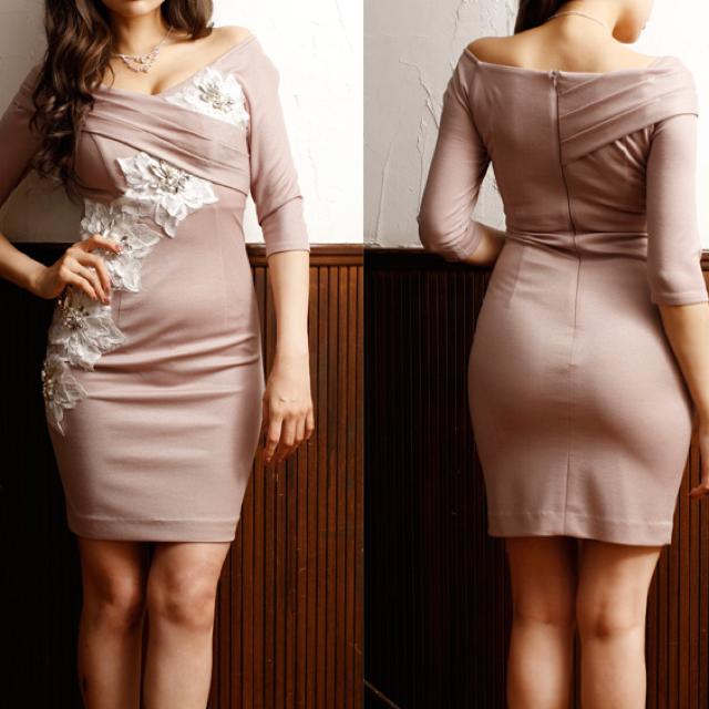 ROBE(ローブ)のROBEdeFLEURS  Glossy  フラワーレースドレス レディースのフォーマル/ドレス(ナイトドレス)の商品写真