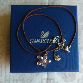 SWAROVSKI - スワロフスキーの花のネックレス