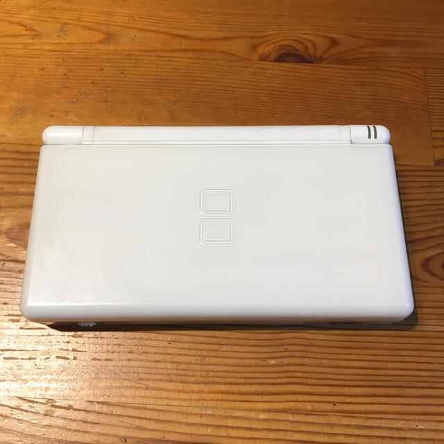 ニンテンドーDS(ニンテンドーDS)の中古本体 ニンテンドーDS Lite ホワイト エンタメ/ホビーのゲームソフト/ゲーム機本体(携帯用ゲーム機本体)の商品写真
