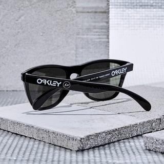 フラグメント(FRAGMENT)のOAKLEY × FRAGMENT DESIGN FROGSKINS (A)(サングラス/メガネ)