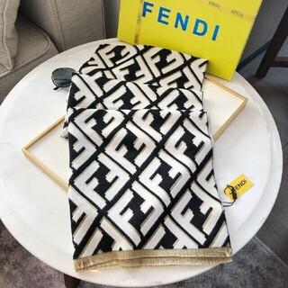 フェンディ(FENDI)のロゴ 美品 FENDIフェンディ マフラー 男女兼用(マフラー)