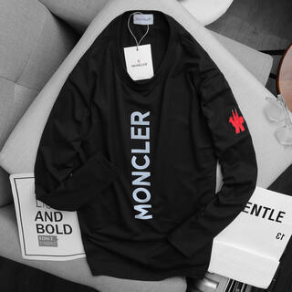 MONCLER - Moncler トレーナー 光反射