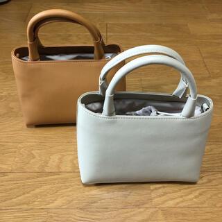 新品・未使用 本革バッグ ショールダーバッグ 2wayアイボリー(ハンドバッグ)