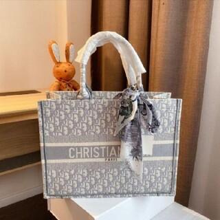 Christian Dior - 期間限定値下げ中 クリスチャンディオール ブックトートバッグ