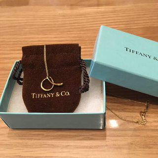 Tiffany & Co. - ティファニー レターa ペンダント イニシャルネックレス ゴールド K18