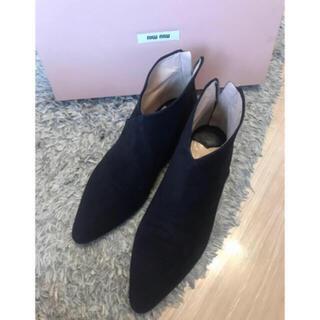 ミュウミュウ(miumiu)のmiumiu ビジューブーティ ブーツ(ブーツ)