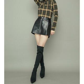 GYDA - 本日到着!今サイトで人気のパテントレザースカートライクショートパンツ