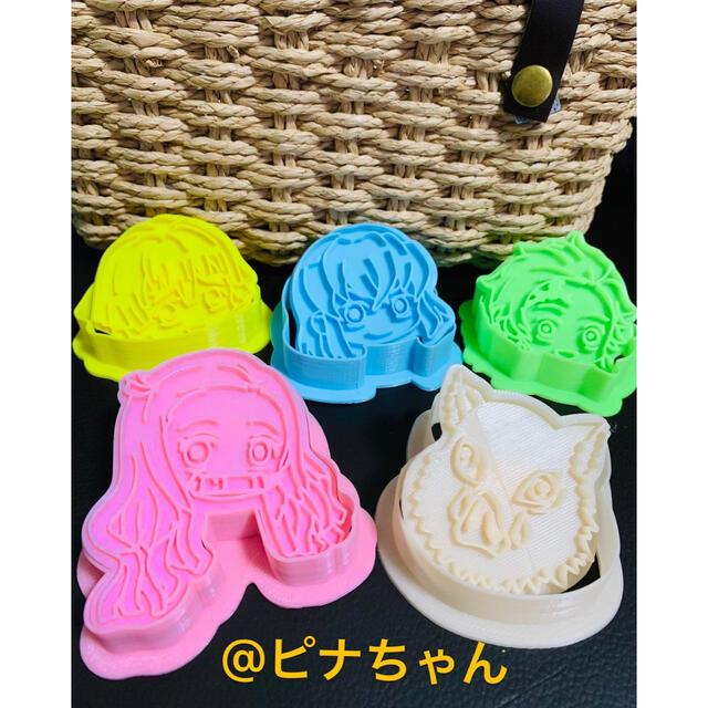 クッキー型5点セット 鬼滅の刃 インテリア/住まい/日用品のキッチン/食器(調理道具/製菓道具)の商品写真