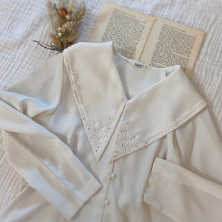 Grimoire - vintageレトロ古着ホワイト*大きな襟/刺繍襟ブラウス