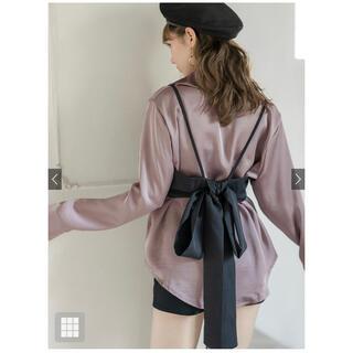 GRL - リボン付ビスチェ 光沢ロングシャツセット