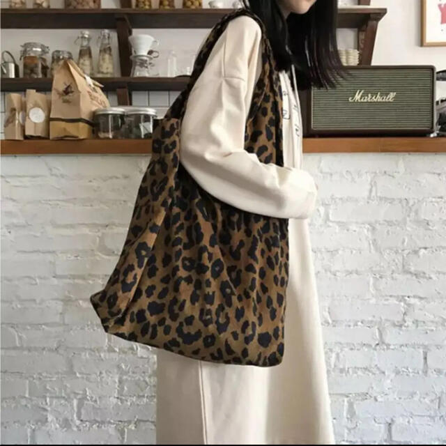 Ameri VINTAGE(アメリヴィンテージ)のレオパード  トートバッグ レディースのバッグ(トートバッグ)の商品写真