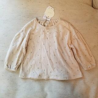 プティマイン(petit main)のテータテート 小花柄バックリボントップス(Tシャツ/カットソー)