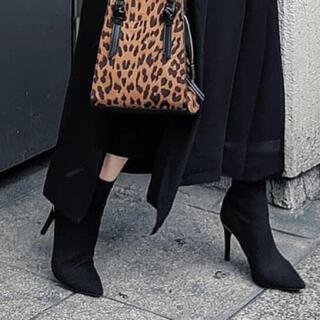 リエンダ(rienda)のrienda ショートブーツ ブーティー ブラック 極美品 リエンダ(ブーティ)