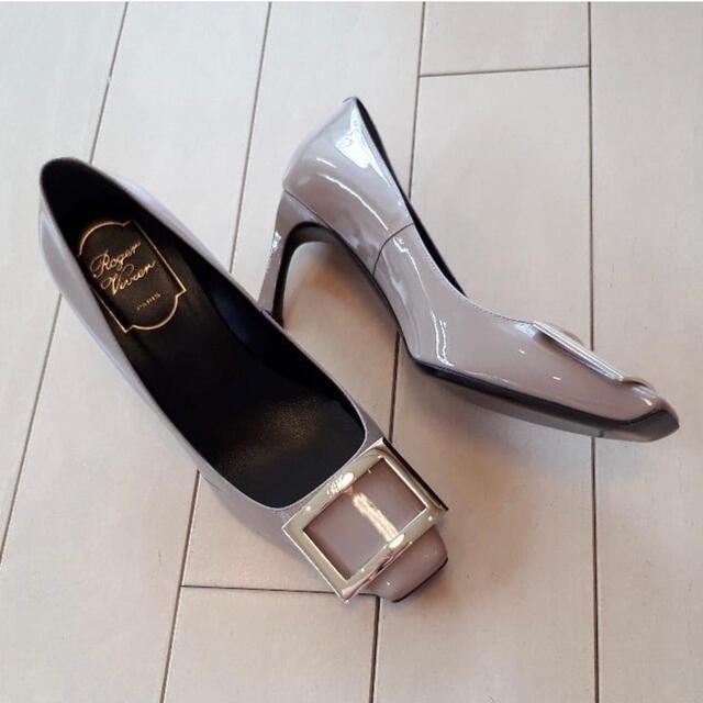ROGER VIVIER(ロジェヴィヴィエ)の新品未使用 ロジェヴィヴィエ rogervivier トランペット パンプス レディースの靴/シューズ(ハイヒール/パンプス)の商品写真