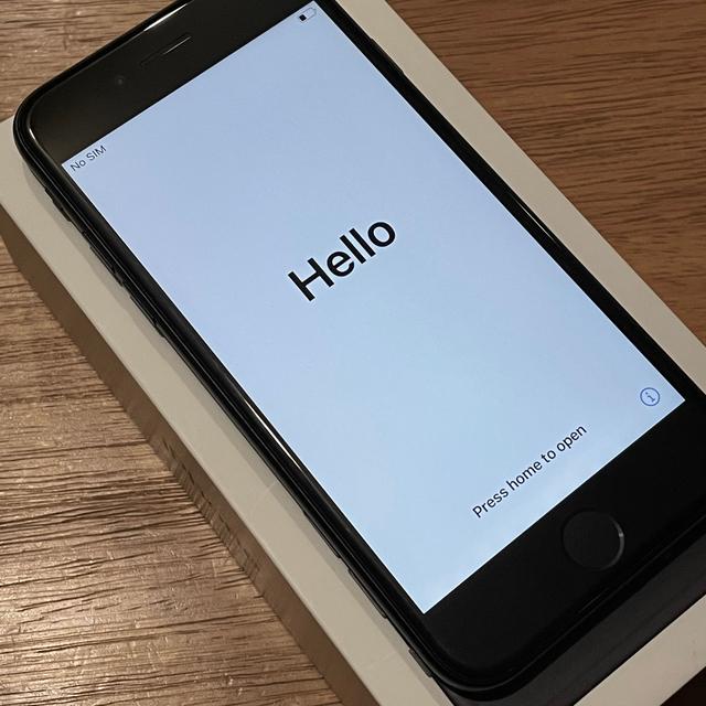 iPhone(アイフォーン)のiPhone 7 128GB 黒 SIMロック解除済み スマホ/家電/カメラのスマートフォン/携帯電話(スマートフォン本体)の商品写真