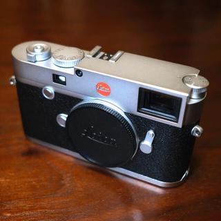 ライカ(LEICA)の【中古美品】Leica M10 シルバークローム(デジタル一眼)