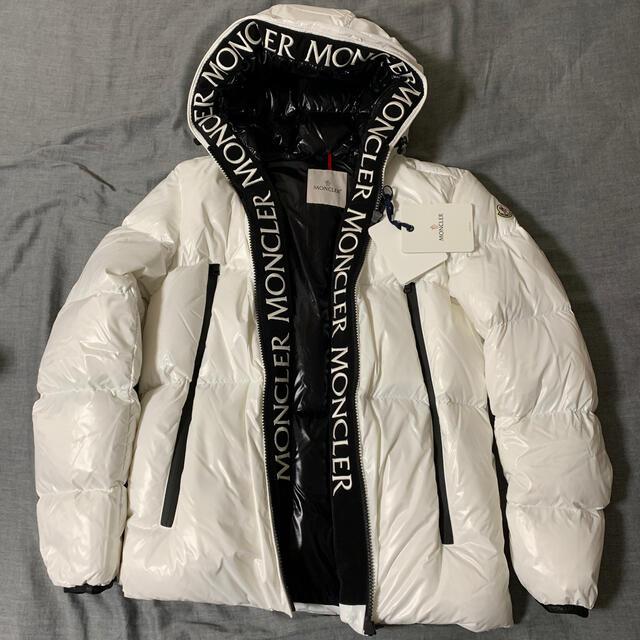 MONCLER(モンクレール)の2 希少在庫☆MONCLER モンクラ ダウンジャケット ブホワイト メンズのジャケット/アウター(ダウンジャケット)の商品写真
