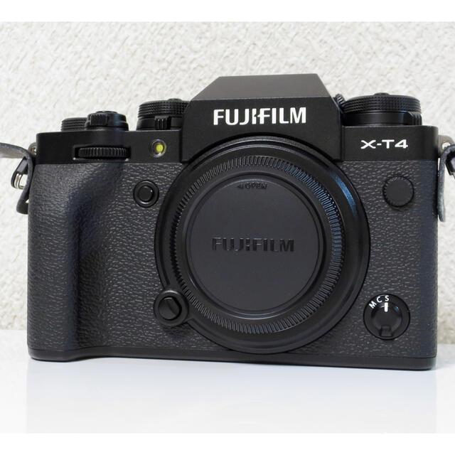 富士フイルム(フジフイルム)の富士フィルム FUJIFILM X-T4 ボディ ブラック 保証書 スマホ/家電/カメラのカメラ(ミラーレス一眼)の商品写真
