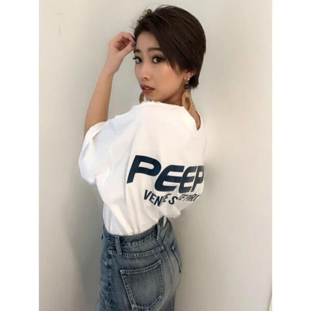 GYDA(ジェイダ)の【美品】GYDA PEEP ロゴTシャツ 彼ウケ レディースのトップス(Tシャツ(半袖/袖なし))の商品写真