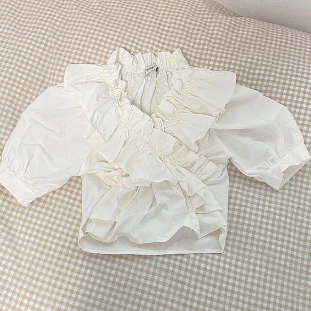 フリルブラウス レディースのトップス(シャツ/ブラウス(半袖/袖なし))の商品写真