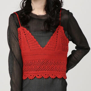 ウィゴー(WEGO)のカギ編みキャミソール 赤 ニット(キャミソール)