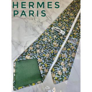 エルメス(Hermes)の【美品】HERMES PARIS メンズ ネクタイ 林檎柄 高級 Silk(ネクタイ)