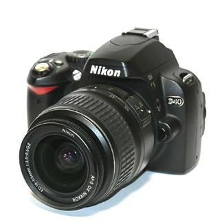 Nikon - 【Nikon】Wi-Fiでスマホへ!かんたん操作!D40レンズキット
