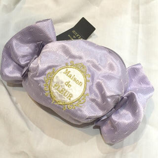 メゾンドフルール(Maison de FLEUR)のメゾンドフルール新品ポーチ キャンディ型(日用品/生活雑貨)