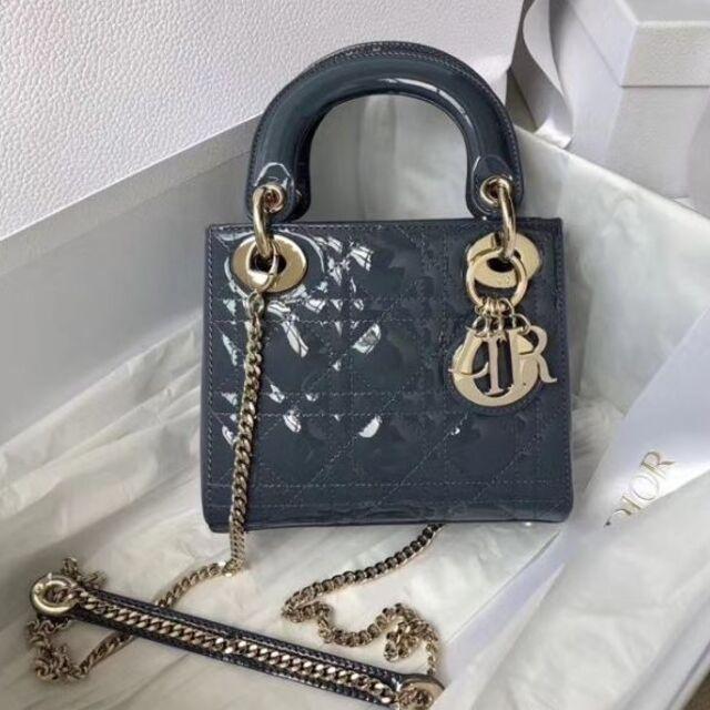 Christian Dior(クリスチャンディオール)のLady Diorクリスチャンディオール ハンドバッグ レディースのバッグ(ショルダーバッグ)の商品写真